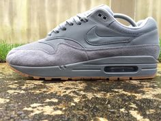 a8c03fe306 Details about Nike Air Max 1 ® Size 9 UK Men's Trainers Cool Grey  AH8145-005 NEW BOXED EU 44