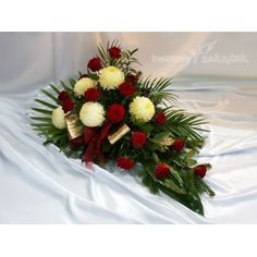 Grave Decorations, Table Decorations, Cemetery Flowers, Floral Arrangements, Christmas Wreaths, Holiday Decor, Projects, Diy, Home Decor