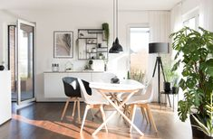 DIY & new fronts for Ikea Bestå Sideboard Living Room Accents, Home Accents, Home Design Decor, House Design, Home Decor, Chair Leg Floor Protectors, Eames Chairs, Ikea Hack, Sideboard