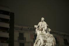 'Noche', proyecto fotográfico de Juan Sebastián Rodríguez Moranta en La Rambla de Barcelona. www.rodriguezmoranta.com