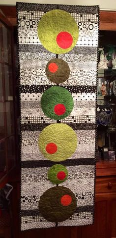 Martini olives > Modern circle stripes table runner quilt                                                                                                                                                     More