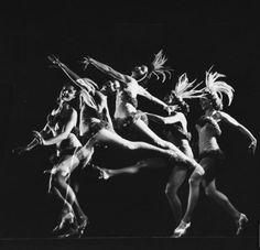 Stravinsky Festival, 1972 by Gjon Mili [Multiple exposure of ballerinas dancing; New York city Ballet] fromLIFE #experimentsinmotion #motion #dance