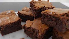 Estos son los mejores brownies que probarás en tu vida   Upsocl My Favorite Food, Favorite Recipes, Pan Dulce, Fudge Brownies, Chocolate Coffee, Dessert Recipes, Desserts, Sin Gluten, Flan