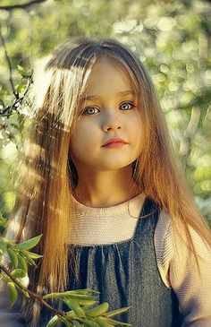 What a doll! Cute Little Baby Girl, Beautiful Little Girls, Baby Kind, Beautiful Children, Sweet Girls, Beautiful Eyes, Beautiful Babies, Girl Photography, Children Photography
