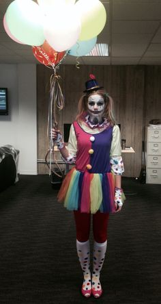 Women's scary clown Halloween costume ah!!