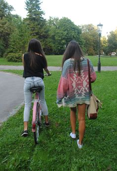 summer, friends, bestfriends, best friend, girl, girls, photography, tan, skinny, long hair, fashion, style, outfit, thin, blonde, gorgeous, pretty, hot, sexy, beautiful, hipster, hipsters, dark hair