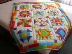 ája a mája Quilts, Blanket, Sewing, Dressmaking, Couture, Quilt Sets, Stitching, Blankets, Log Cabin Quilts