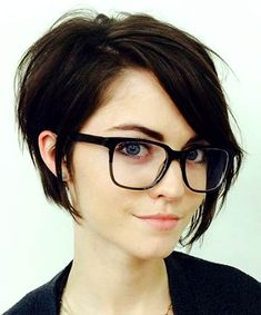 Pixie cuts are so versatile nowadays and long pixie cuts getting more and more popular. So here are the pics of 20 Longer Pixie Cuts We Love! Pixie cuts are. Long Pixie Hairstyles, Cute Short Haircuts, Short Hairstyles For Women, Easy Hairstyles, Hairstyles 2016, Black Hairstyles, Layered Haircuts, Everyday Hairstyles, Brunette Hairstyles