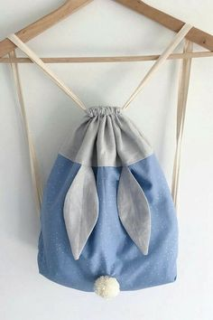 Bunny backpack - Sac Lapinou - - Bunny backpack - Sac Lapinou - Source by siegwi Fabric Crafts, Sewing Crafts, Sewing Projects, Diy Backpack, Drawstring Backpack, Diaper Backpack, Diaper Bags, Sewing For Kids, Baby Sewing
