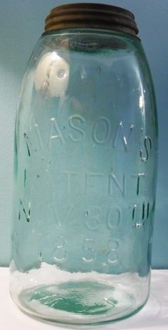 Mason's Patent / Nov 1858 November jars overview summary general information antique bottles containers glass screw-type glass artifacts, history. Vintage Mason Jars, Blue Mason Jars, Vintage Bottles, Antique Glass Bottles, Bottles And Jars, Glass Jars, Pot Mason Diy, Mason Jar Gifts, Jars For Sale