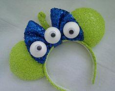 Disney Diy, Diy Disney Ears, Disney Mickey Ears, Disney Crafts, Disney Ideas, Mouse Ears Headband, Ear Headbands, Diy Handmade Toys, Arts Plastiques