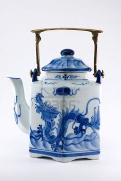 Chinese porcelain Teapot with blue dragon