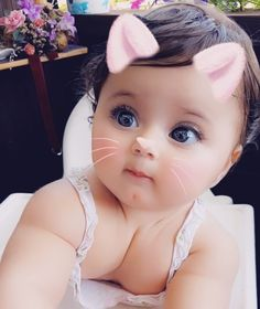 Funny cute love quotes relationships girlfriends 56 new ideas Cute Baby Girl Pictures, Cute Baby Boy, Cute Little Baby, Baby Kind, Cute Baby Clothes, Little Babies, Baby Love, Beautiful Children, Beautiful Babies