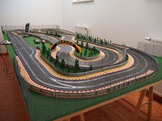 Ho Slot Cars, Slot Car Racing, Slot Car Tracks, Scalextric Track, Carrera Slot Cars, Courses, Scale Models, Scenery, Soda Machines