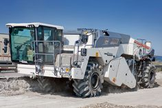 WIRTGEN WR 240, Cold recycler / iF ONLINE EXHIBITION