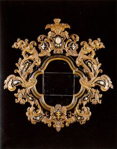 MIRROR AND PAIR OF APPLIQUES EN SUITE Venice. Circa 1720.