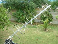 "I decided to build myself this Satellite Antenna as described by XE1MEX. This ""Bow and Arrow"" shoots straight! Ask the birds up there, they will confirm it!"