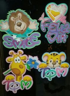 Foam Crafts, Diy And Crafts, Paper Crafts, Diy For Kids, Crafts For Kids, Love Store, Mini Mouse, Present Gift, Punch Art