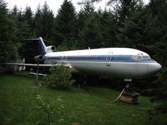 Vivere in un Boeing 727 in mezzo alla foresta