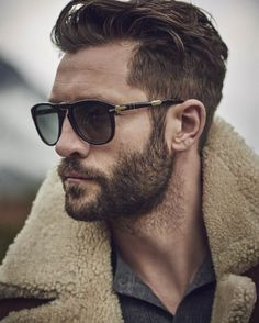 long quiff hairstyle with short sides and beard hairstyle pinterest quiff hairstyles. Black Bedroom Furniture Sets. Home Design Ideas