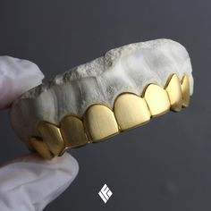 The hip hop jewelry fashions bear full testimony that this statement is true. As per the definition of the hip hop jewelry Gold Fangs, Gold Teeth, Baby Jewelry, Fine Jewelry, Men's Jewelry, Jewelry Accessories, Fashion Rings, Fashion Jewelry, Diamond Grillz