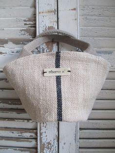 Image of Mini-panier {MS-03} Handmade Handbags, Handmade Bags, Farmhouse Fabric, Linen Bag, Fabric Bags, Cute Bags, Small Bags, Bag Making, Purses And Bags