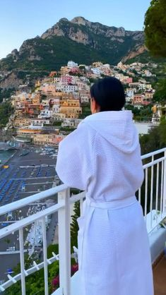 Best Hotels In Positano, Amalfi Coast Hotels, Positano Italy, Beautiful Places To Travel, Beautiful Hotels, Hotel Restaurant, Travel Vlog, Proposals, Beach Trip