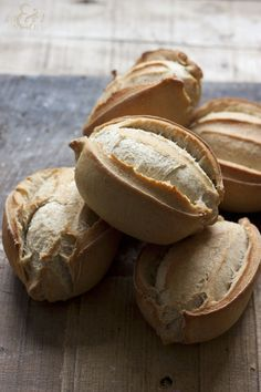 BOLLO SEVILLANO Cooking Bread, Bread Baking, Spanish Bread, Yeast Bread Recipes, Pan Dulce, Pan Bread, Our Daily Bread, Bread And Pastries, Bakery Recipes
