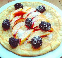 Pannenkoeken zijn wat mij betreft het perfecte begin van een zondag. Je doet mij geen groter plezier dan een hele stapel pannenkoeken als ontbijt. Hoe je zelf overheerlijke ontbijt pannenkoeken bakt lees je in dit blog. Pepperoni, Bread Recipes, Pancakes, Pizza, Lunch, Breakfast, Blog, Morning Coffee, Pancake