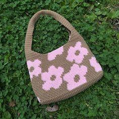 Cute Crochet, Crochet Crafts, Crochet Yarn, Crochet Hooks, Crochet Projects, Crochet Tote, Knitting Patterns, Crochet Patterns, Crochet Ideas