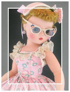 "~ Madame Alexander ""Cissy"" Doll ~ (1950's)"