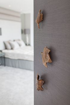 Superior Stephenson Wright Project | Ironmongery | Bronze Leaves | Interior Design
