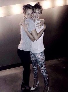 Shailene and Shauna (her stunt double) Insurgent has finished filming!
