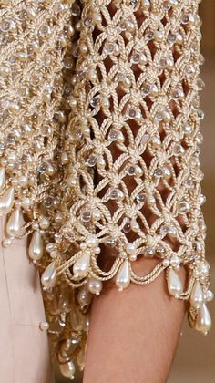 Chanel Spring 2016 Couture Fashion Show Details - open weave mesh sweaterSee all the Details photos from Chanel Spring/Summer 2016 Couture now on British VogueI think I will omit the pearls, crochet this in love knot stitch in cotton or hemp and wear it o Elie Saab Couture, Chanel Couture, Dress Couture, Couture Fashion, Runway Fashion, Fashion Glamour, Fashion Spring, Fashion Fashion, Fashion Weeks