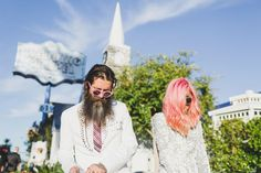 A Las Vegas Real Elopement that Only the King Could Officiate