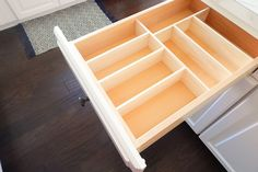 Easy tutorial for creating your own custom wooden drawer organizers. These are great for kitchen organizing and so much more. Wooden Drawer Organizer, Kitchen Drawer Organization, Drawer Dividers, Kitchen Drawers, Drawer Organisers, Kitchen Storage, Home Organization, Kitchen Organizers, Cabinet Organizers