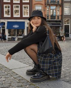 Outfits With Hats, Mode Outfits, Skirt Outfits, Trendy Outfits, Fall Outfits, Fashion Outfits, Grunge Outfits, School Outfits, Hipster Outfits For Women