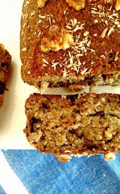 Un super Banana Bread vegan à la coco et aux noix! Sans gluten, sans lactose, sans sucre ajouté, sans matière grasse et riche en oméga 3!