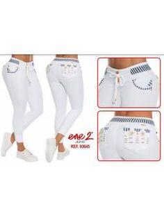 Vaquero Levanta Cola 11103 Levis, White Jeans, Pants, Fashion, Fashion Clothes, Altered Clothes, Cowboys, Long Dresses, Pockets