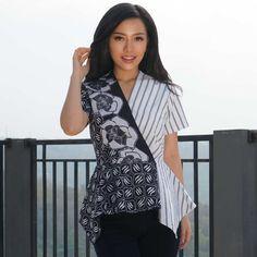 Home - Batik Kultur Model Dress Batik, Batik Dress, Blouse Batik Modern, Batik Kebaya, Dress Brokat, Batik Fashion, Modern Hijab, Ethnic, Sewing