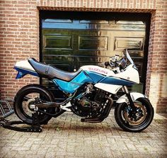 My suzuki Gsx750ES with 1100r engine almost finished. Gettin there! m/