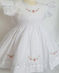 Gorgeous spot voile white hand smocked and embroidered dress - Christmas-Desserts Girls Smocked Dresses, Baby Girl Dresses, Flower Girl Dresses, White Christmas Dress, Hand Embroidery Dress, Party Frocks, Christening Gowns, Little Girl Outfits, Dress Patterns