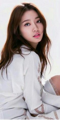 Park Shin Hye, Asian Hair Wavy, Korean Actresses, Korean Actors, Korean Beauty, Asian Beauty, Asian Celebrities, Celebs, The Heirs