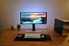 In Win 904 Case, Ultrawide monitor