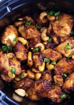 Ingredients  2 lbs boneless skinless chicken breasts (About 4 pieces)  3 Tablespoons Cornstach  ½ tsp black pepper  1 Tbsp canola oil  ½ cup low sodium soy sauce  4 Tbsp rice wine vinegar  4 Tablespoons ketchup  2 Tablespoons sweet chili sauce  2 Tbsp brown sugar  2