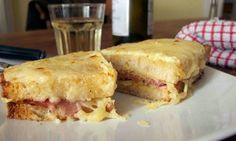 Croque Monsieur discussion and recommended recipe. Basically it is just a pretentious Ham and Cheese toastie!