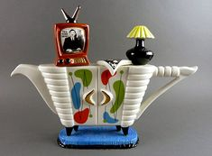 http://www.veniceclayartists.com/wp-content/uploads/2013/11/Swineside-Ceramics-Teapotte.jpg
