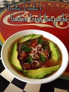 Auntie Linda's Garden Fresh Gazpacho | @fairyburger