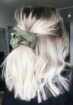 35 Trendy Hairstyles To Try This Summer - New Hair Hair Inspo, Hair Inspiration, Bob Hair, Looks Style, Scrunchies, Trendy Hairstyles, Scrunchy Hairstyles, Short Summer Hairstyles, Sassy Haircuts