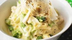 Cooking dinner doesn't have to be a big deal. Easy does it with this fettuccine Alfredo recipe. Come on -- dinner is served.